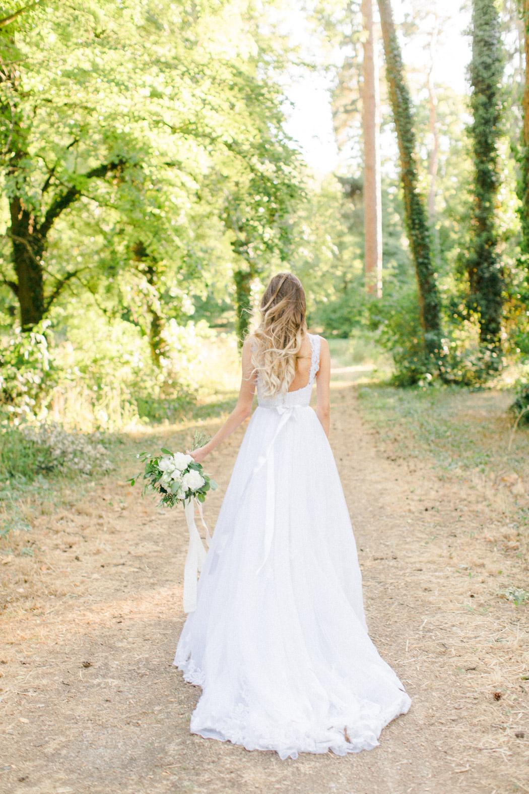 Sluncem zalitá svatba v přírodě, fotografie Daniel Nedeliak na blogu Originální Svatba