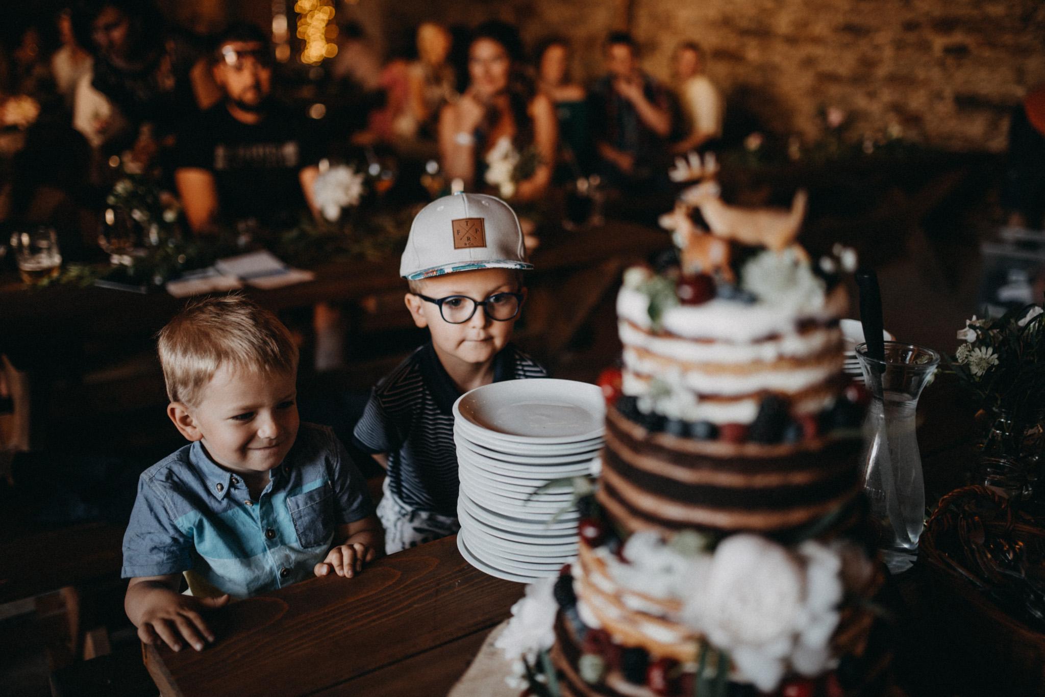 Svatba jako nezapomenutelná dobrota, fotografie Honza Bartoň na blogu Originální Svatba